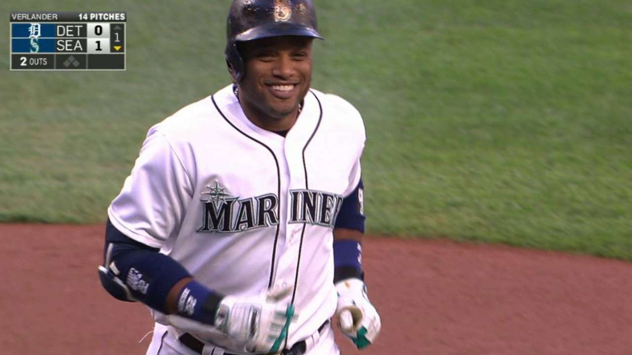 Cano opens the scoring