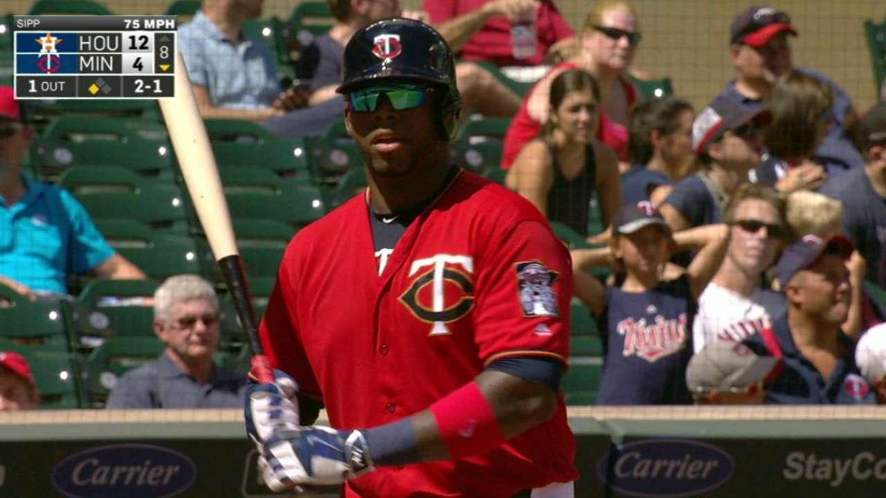 Vargas' second homer