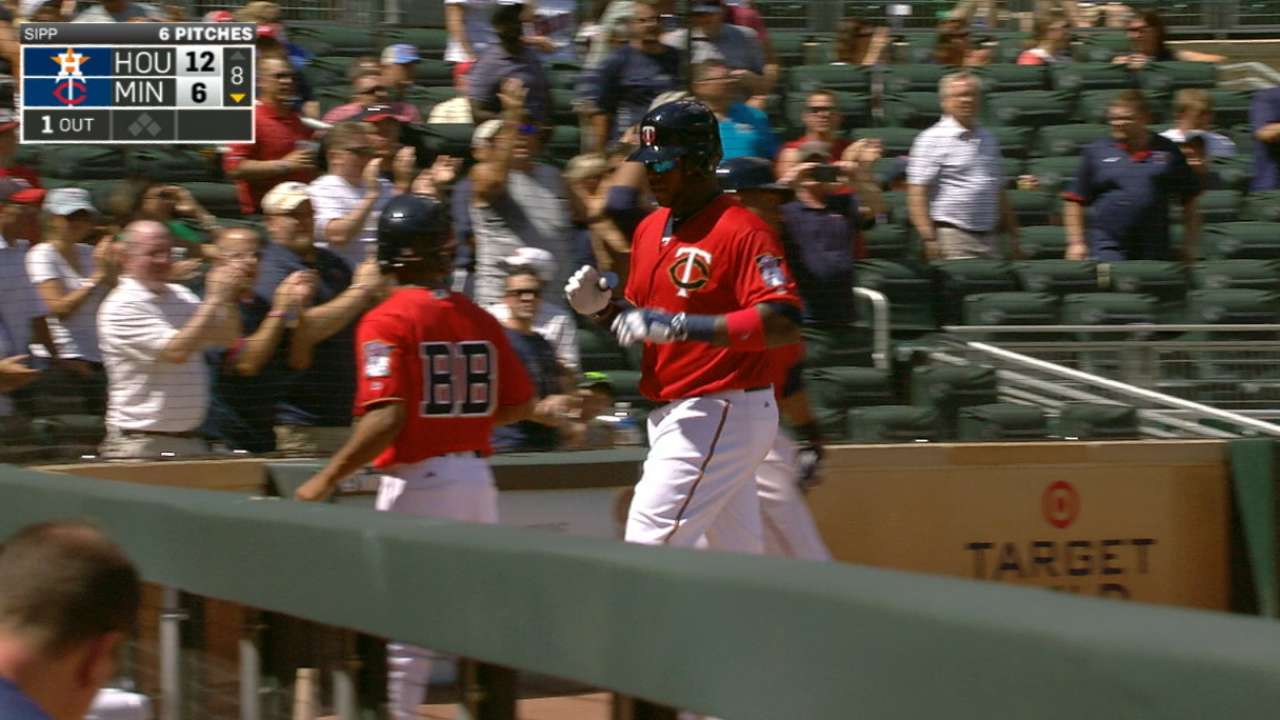 Vargas fourth Twin to homer from both sides