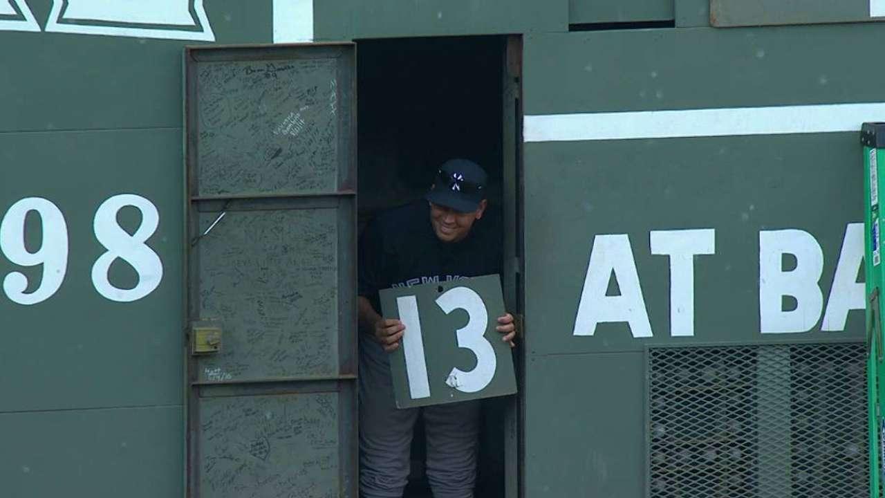 Rodriguez savors final trip to Fenway Park