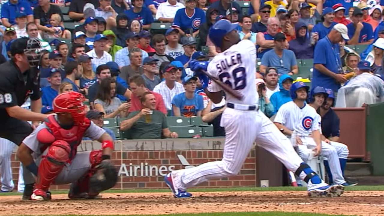 Cubs pump it up vs. Cards as streak goes to 11