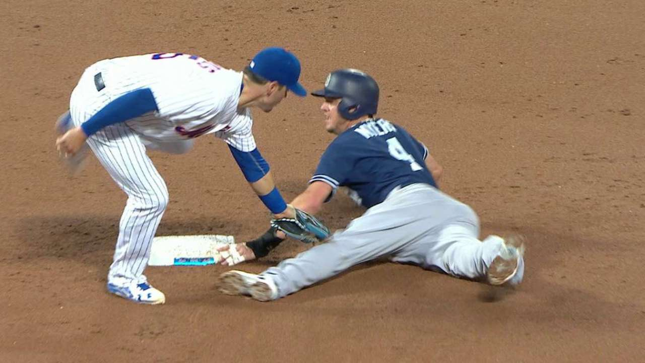 d'Arnaud throws out Myers