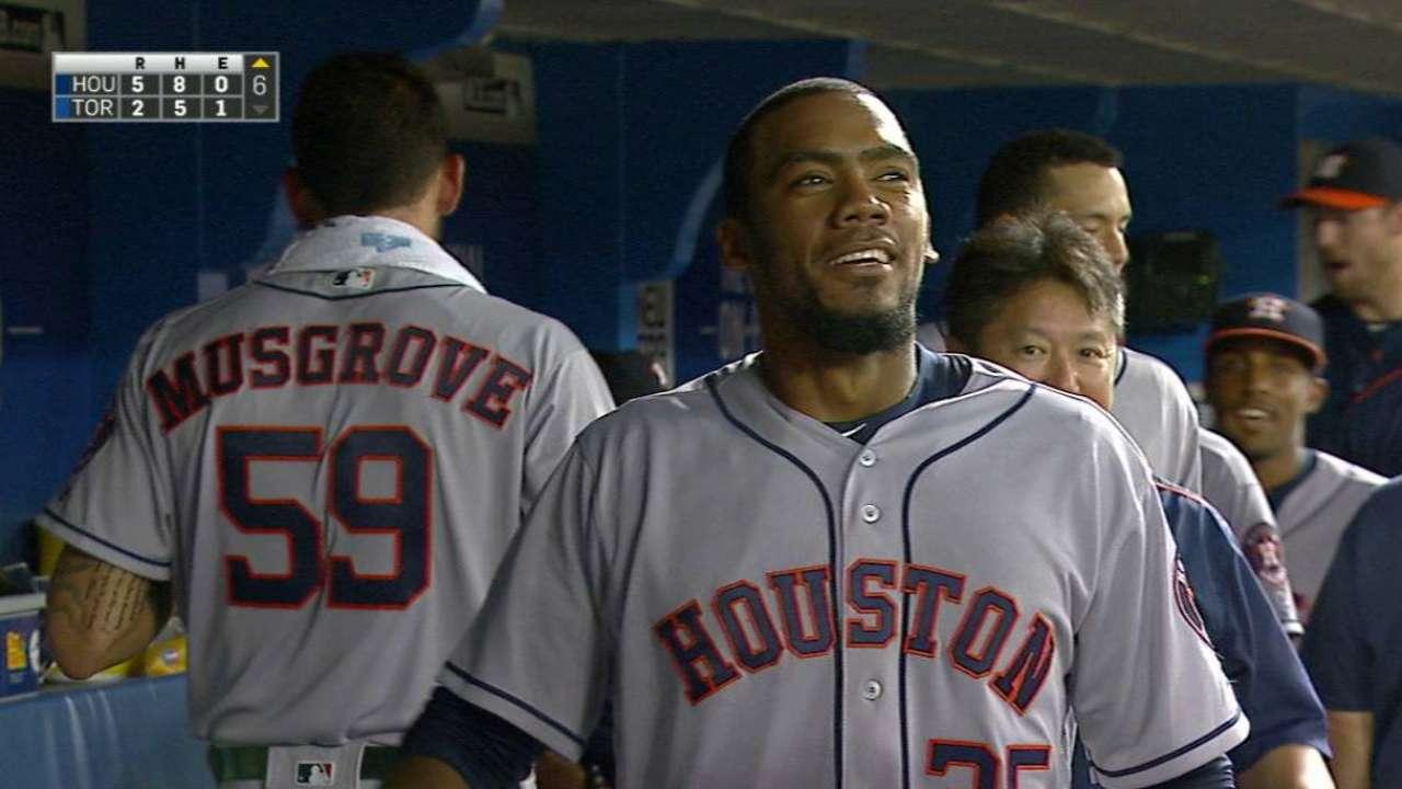 Hernández pega su 1er HR en G.L. y Astros ganan
