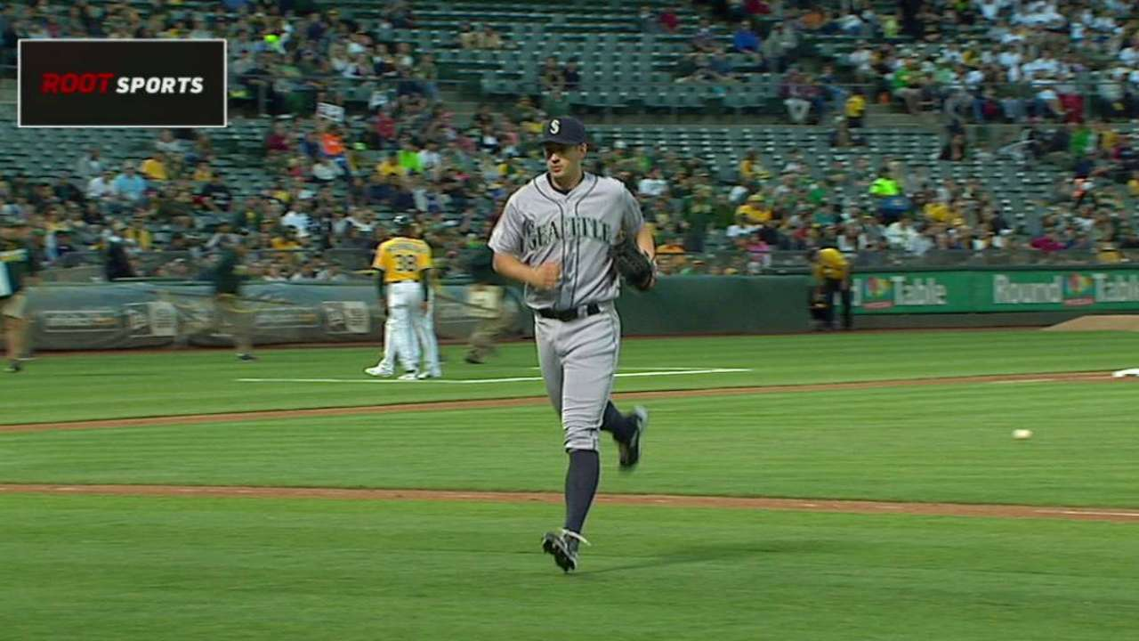 Two big innings get to Wieland, Mariners