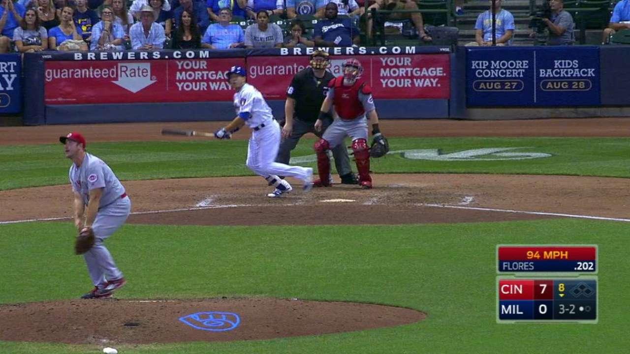 Flores' solo home run