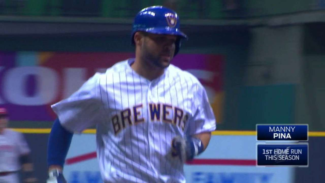 Pina's first MLB home run