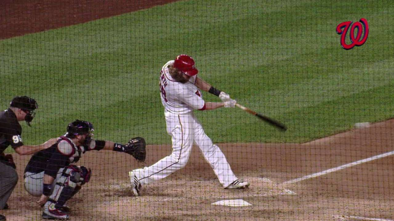 Werth singles to extend on-base streak to 42
