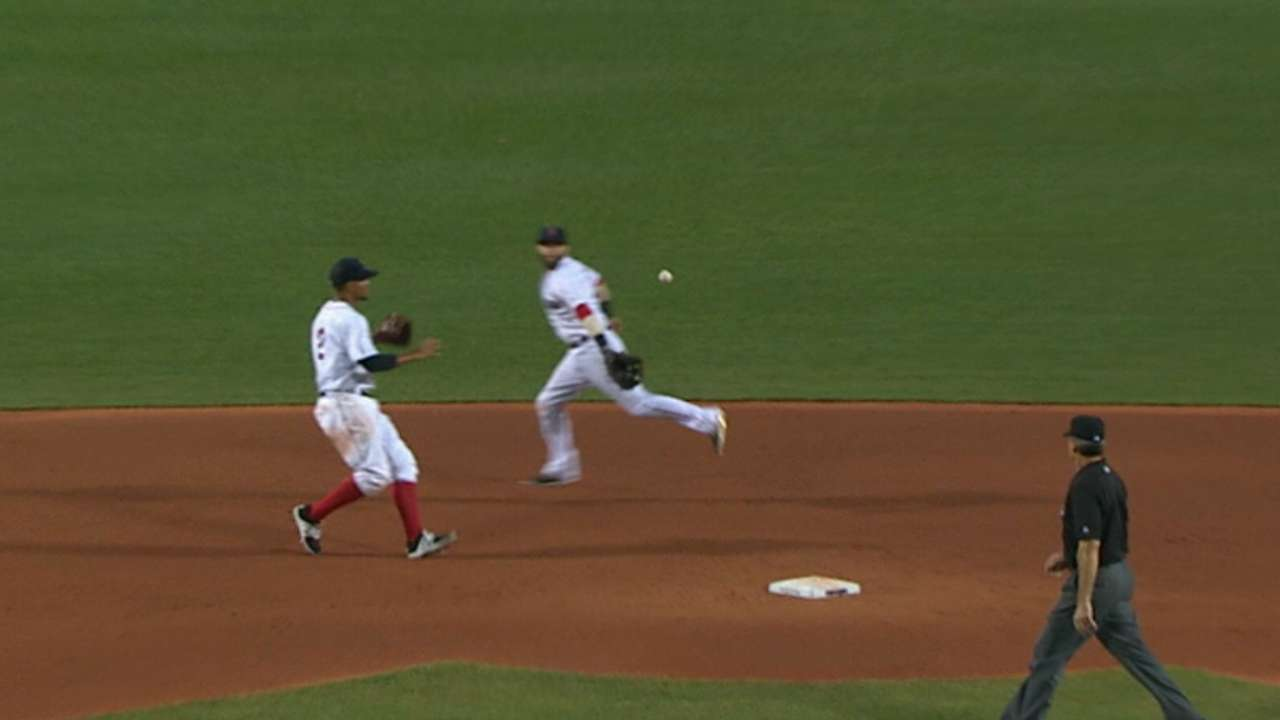 Pedroia's quick double play