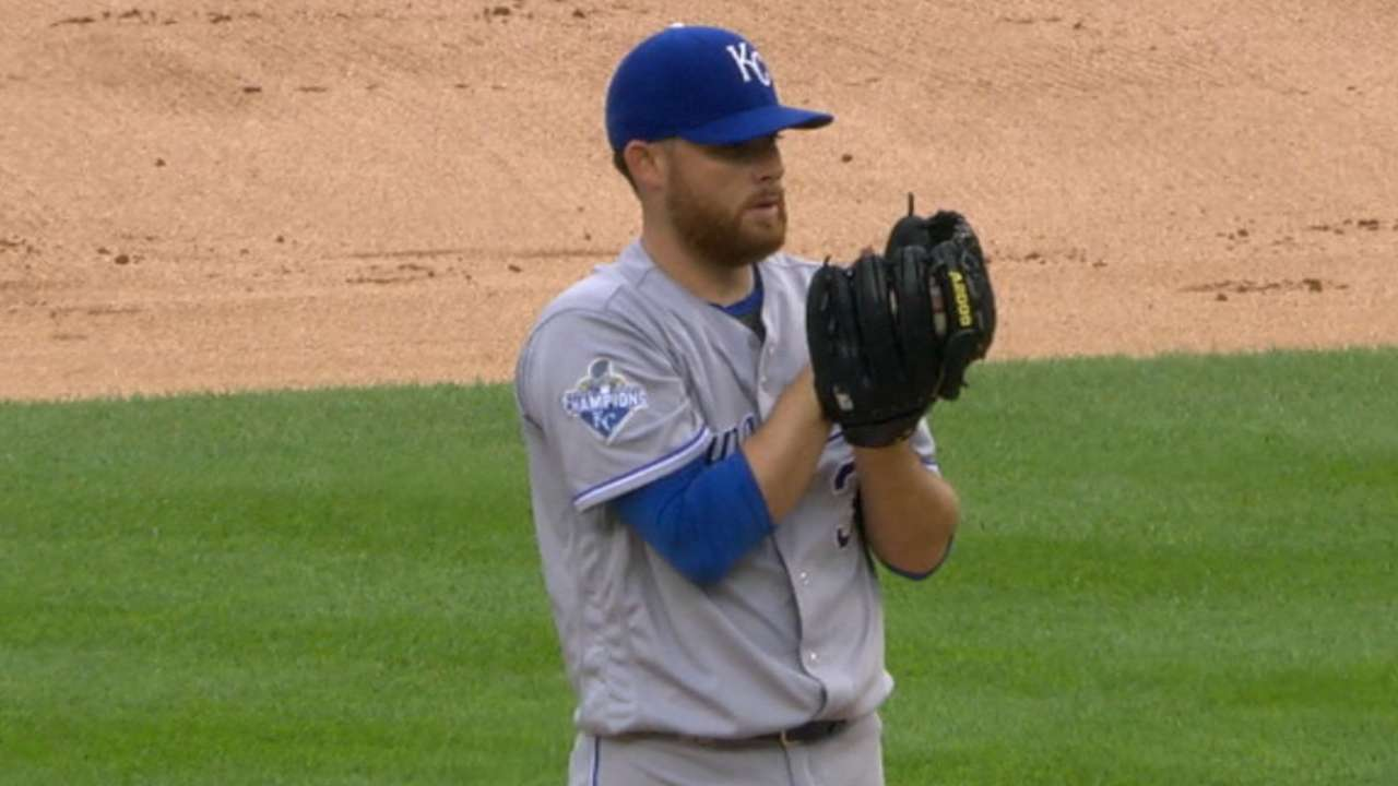 Kennedy's quality start helps Royals clip Tigers