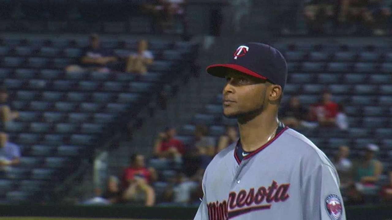 Plouffe, Santana power Twins past Braves