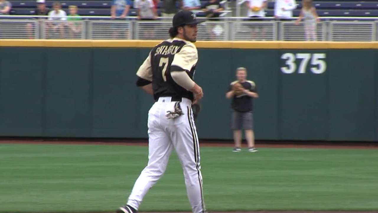 Swanson brings on-base ability, defense to Braves