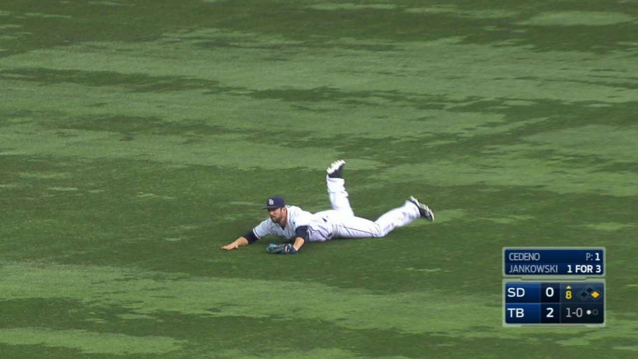 Souza Jr.'s diving catch