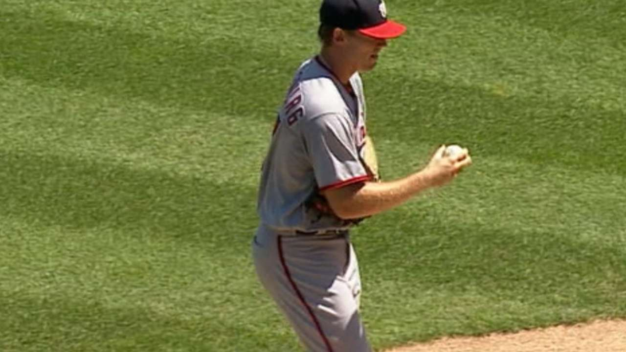 Returning to form, Stras plays role of stopper