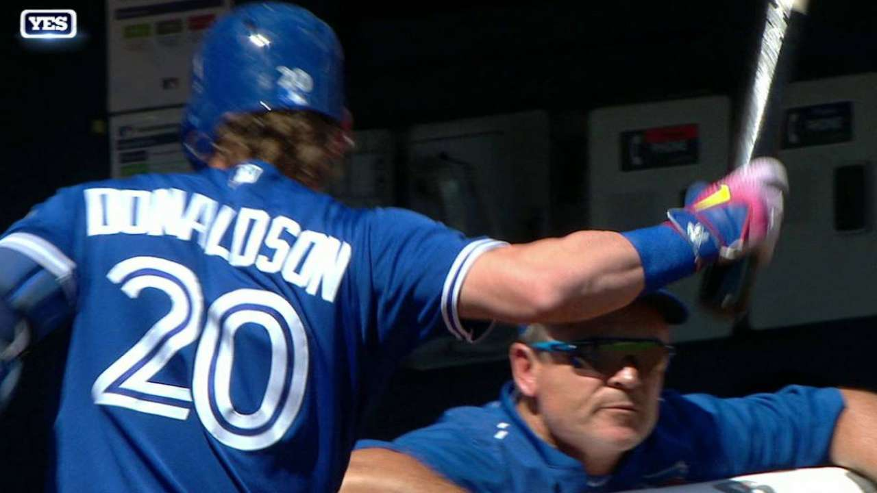 Thumb injury caps eventful day for Donaldson