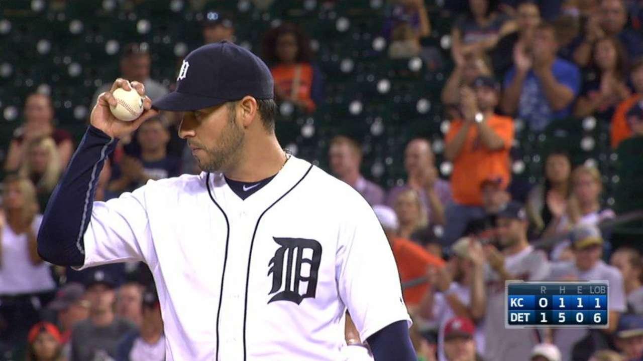 Sanchez's no-hitter broken up
