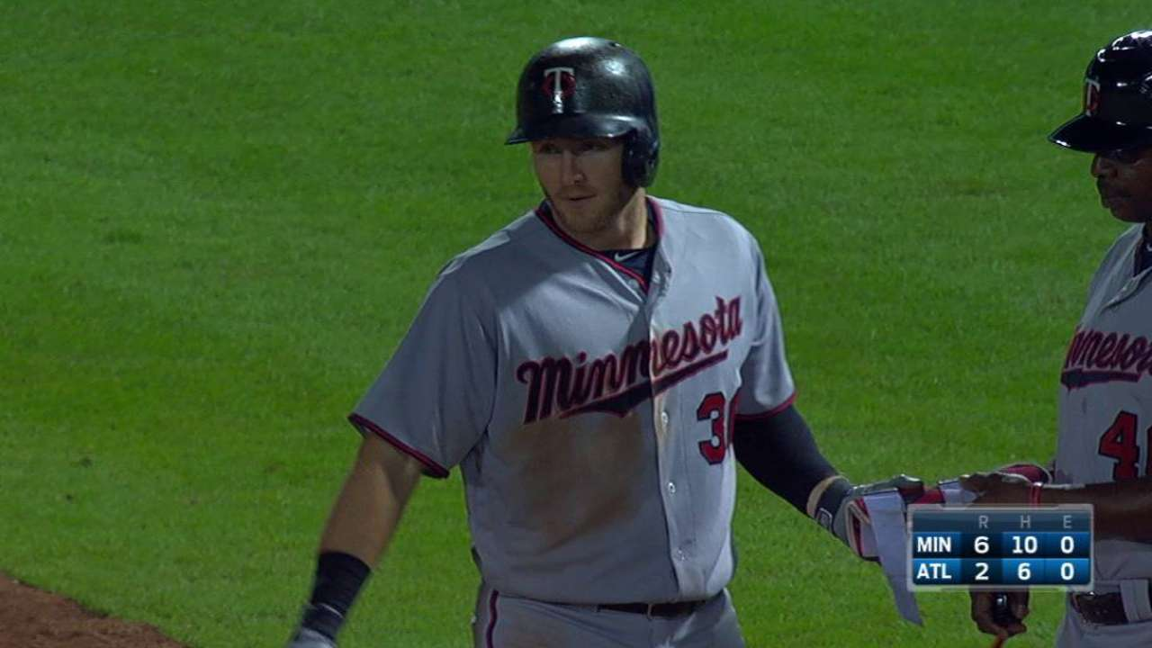Grossman adds to the Twins' lead