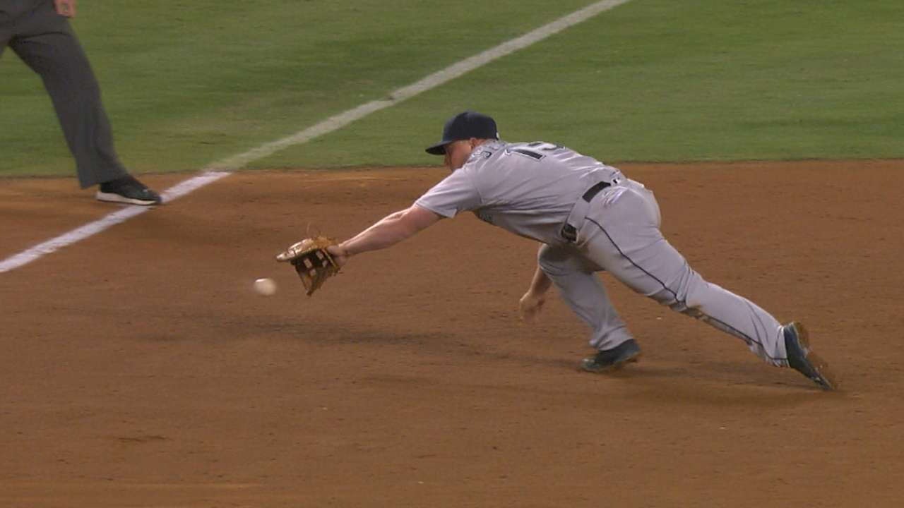 Seager's game-saving play in 9th