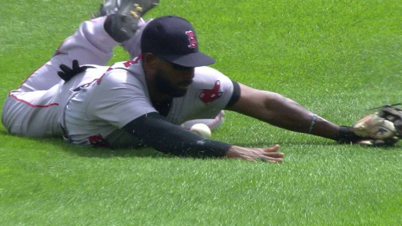 Missed call leads to 1st run in Sox-Tigers tilt