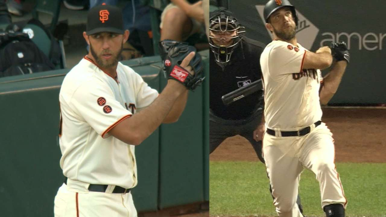 Bumgarner helps cause with homer off deGrom