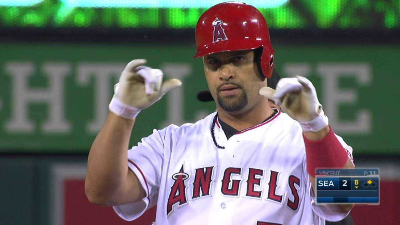 Pujols reaches 95 RBIs for 15th season