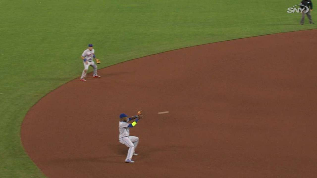 Reyes gets knocked over on catch