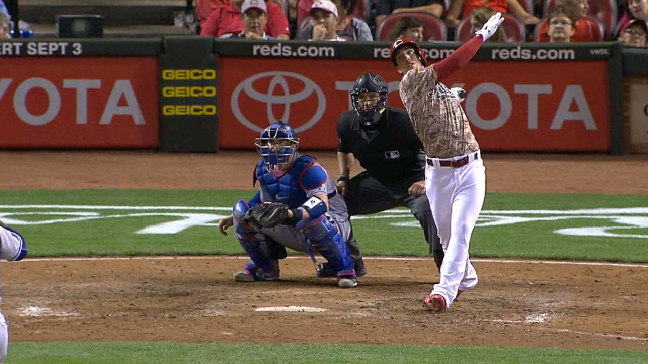 Emotional Lorenzen honors late father with 1st MLB HR