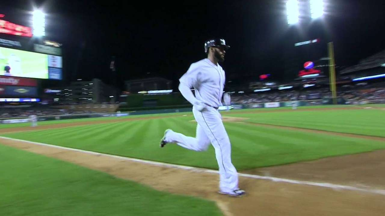 Martinez's solo home run