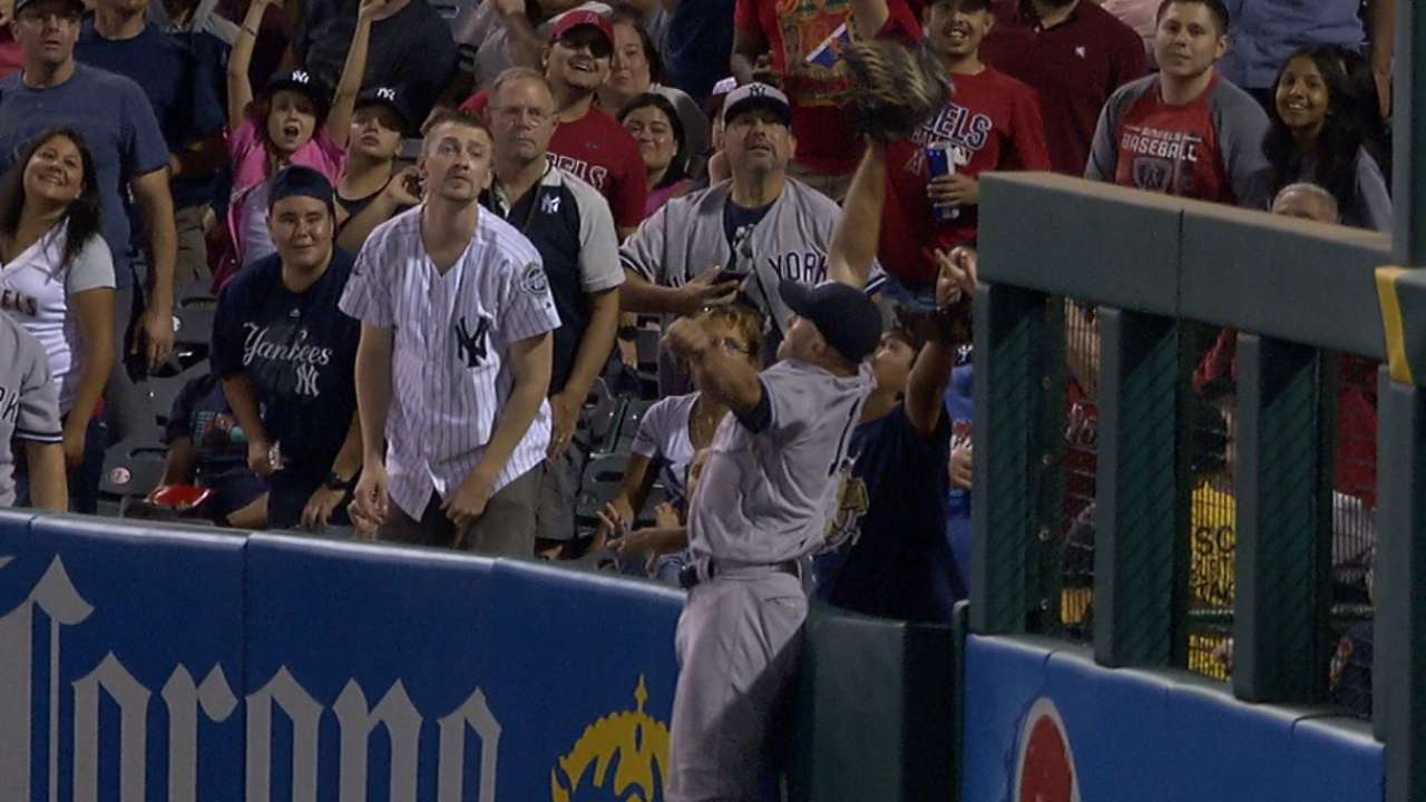 Must C: Gardner robs a home run