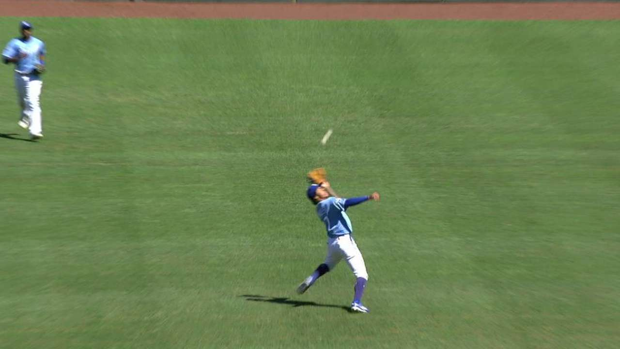 Mondesi's tough catch