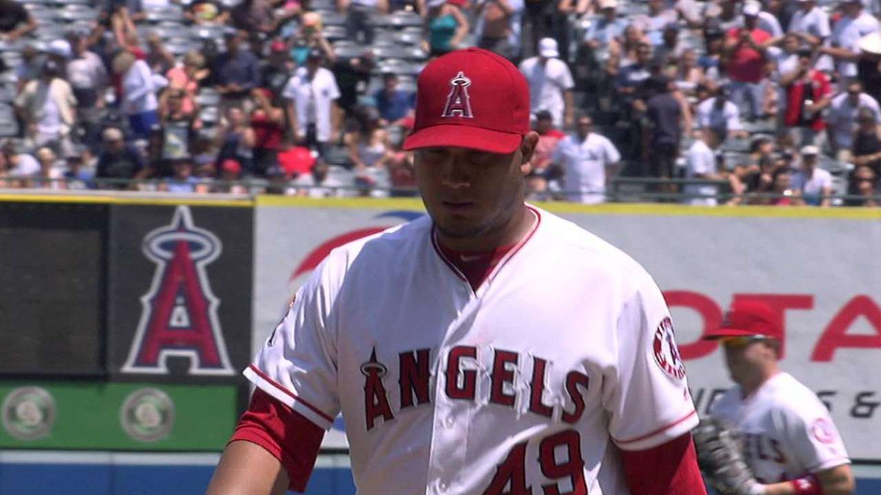 Chacin escapes Yankees' threat