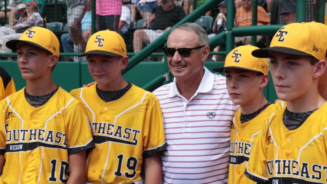 Manfred watches New York win in LLWS