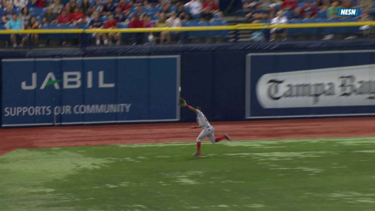 Young's running grab in the 5th