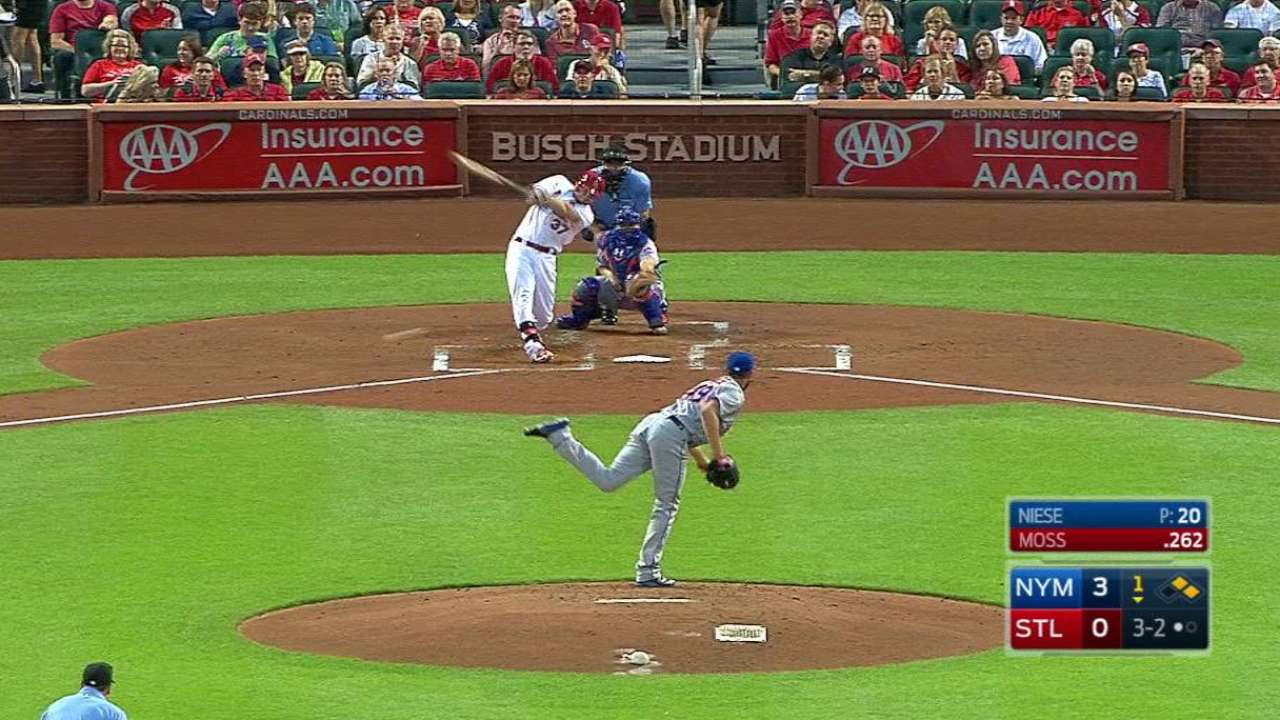 Garcia struggles as Cards let Mets gain ground