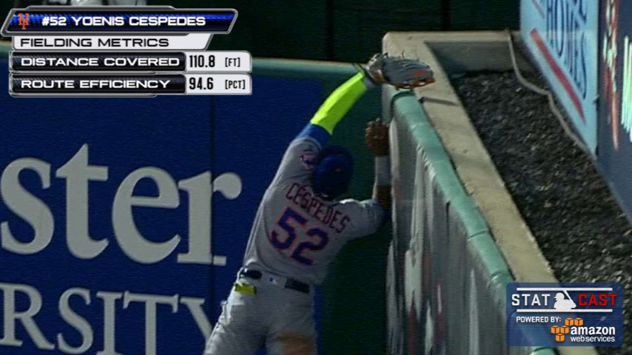Statcast: Cespedes' leaping grab