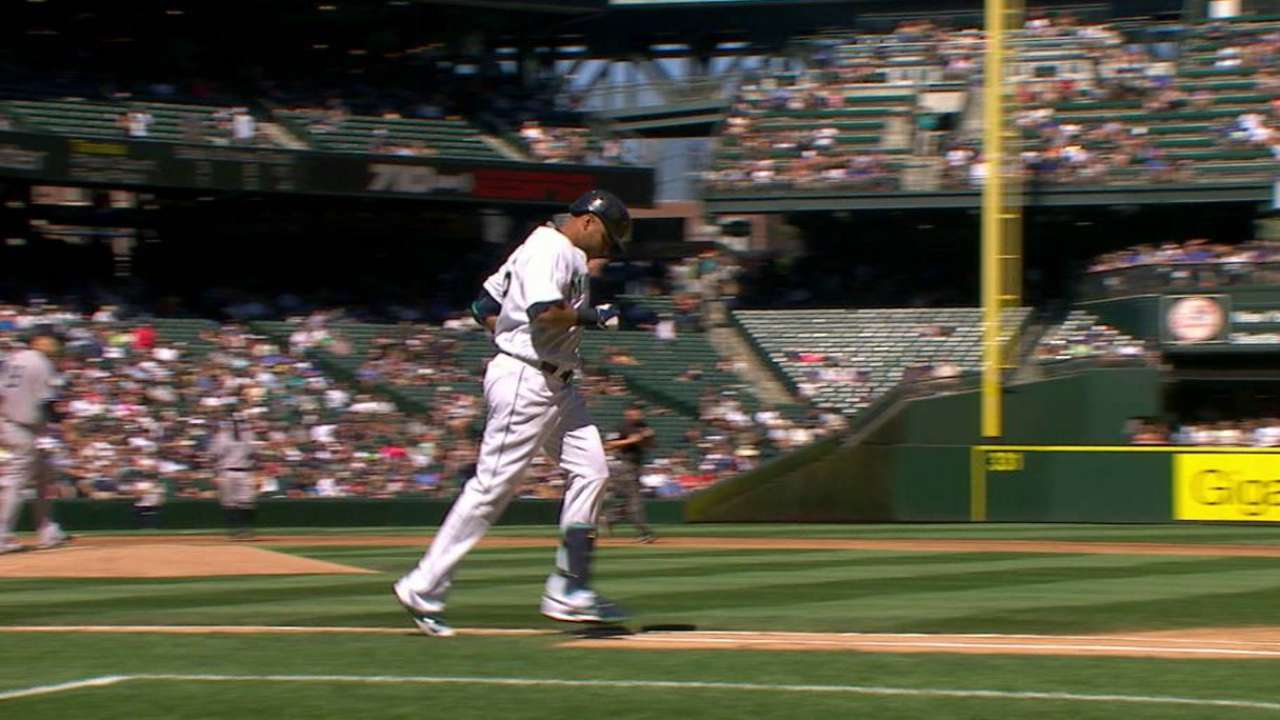 Cruz better after exiting with back spasms
