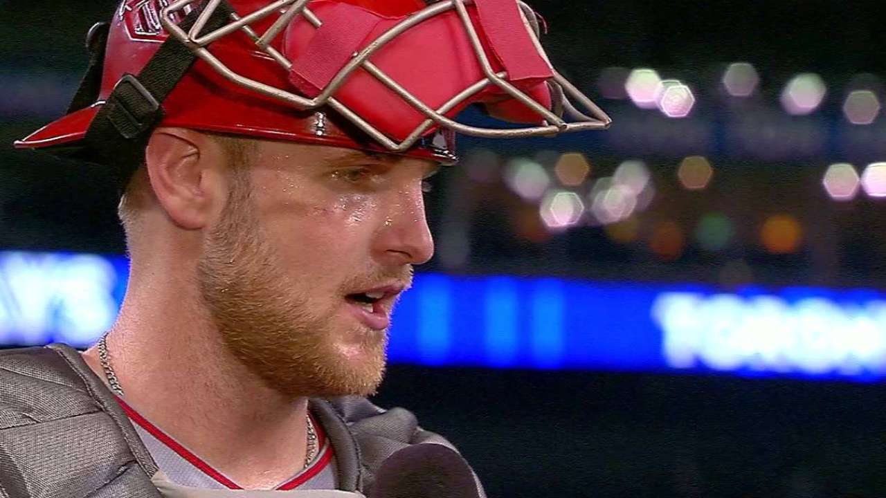 Bandy on four-hit game