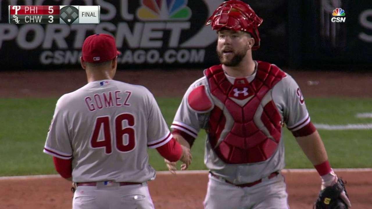Phils bringing back Galvis, Gomez, Hernandez