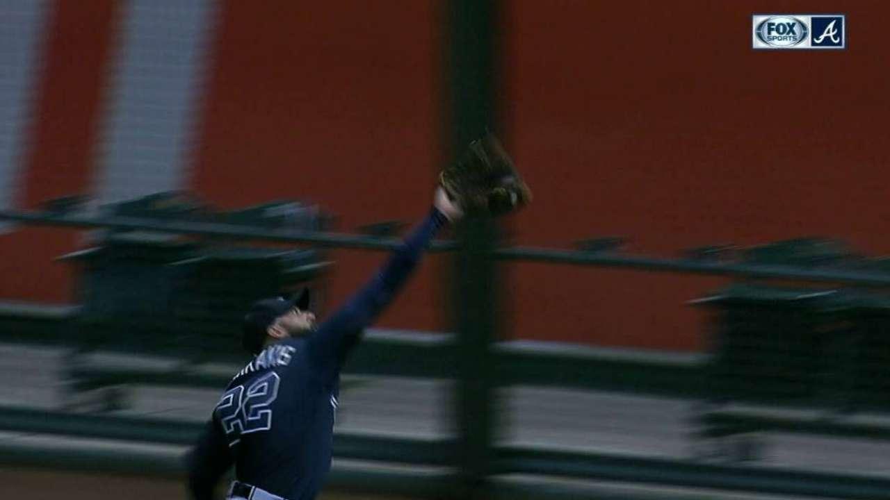 Markakis' great running catch