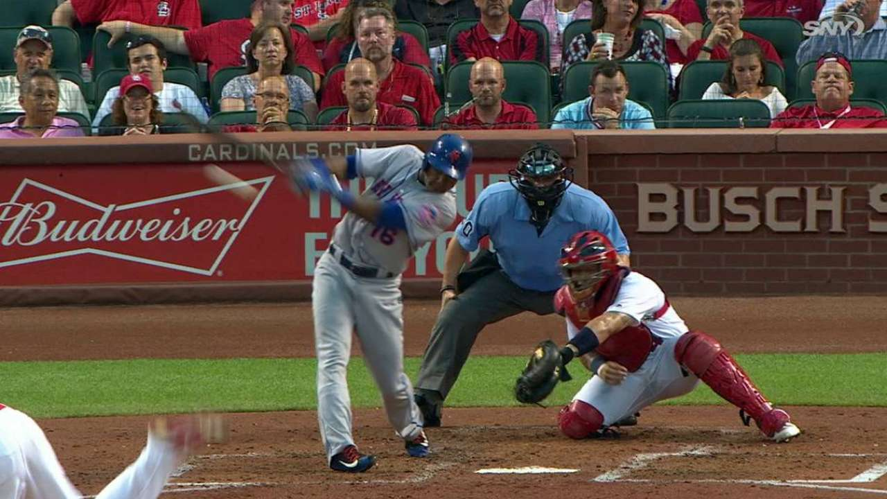 De Aza pushing for playing time with bat