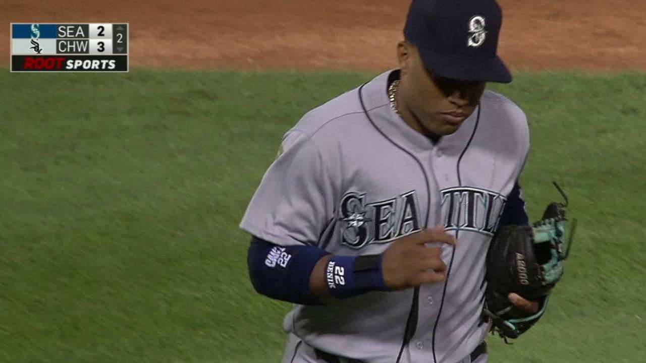 Cano turns two to end the 2nd