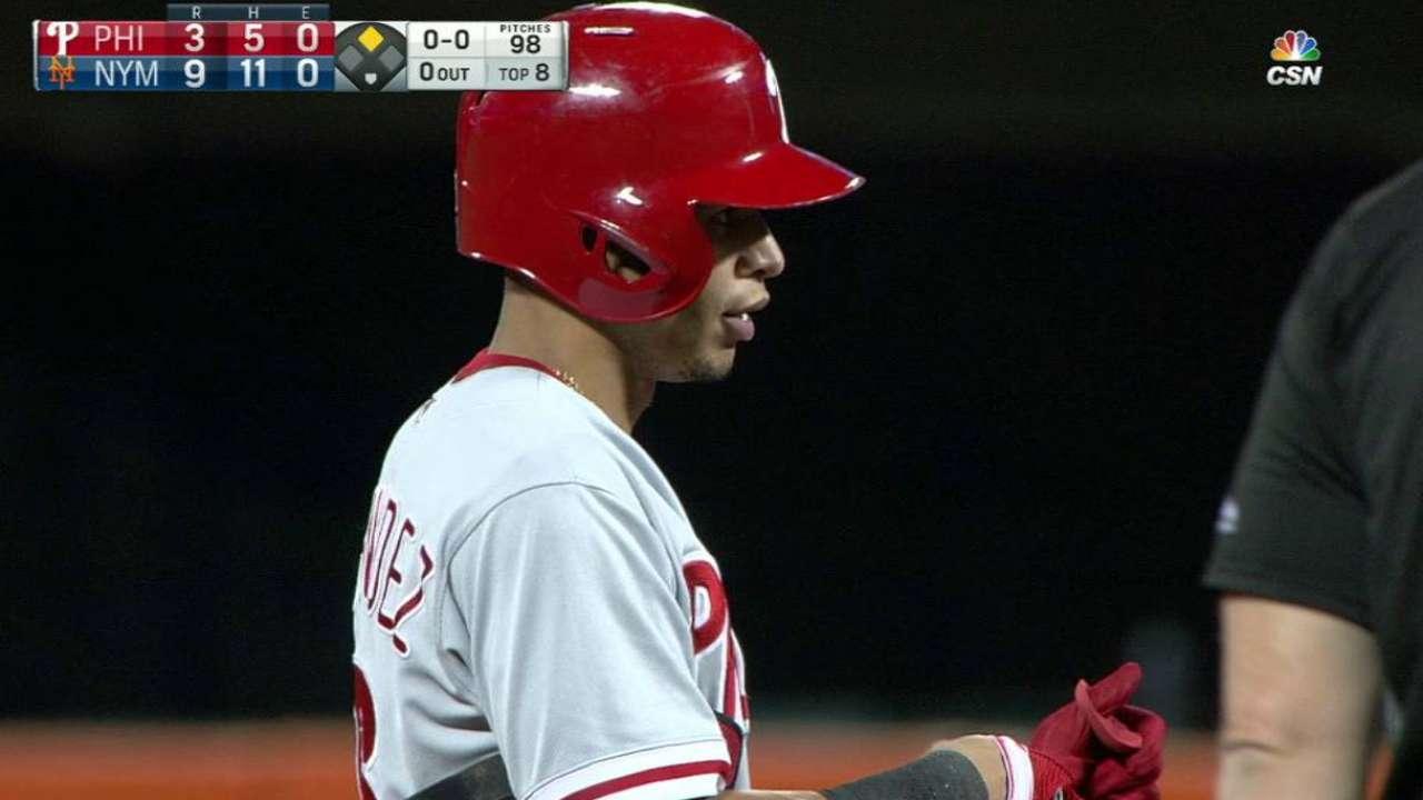 Hernandez's two-run double