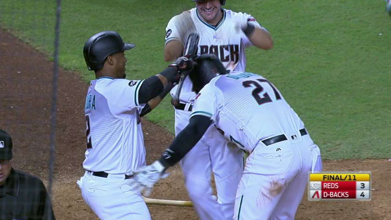 D-backs match 2 Reds' rallies, walk off on WP