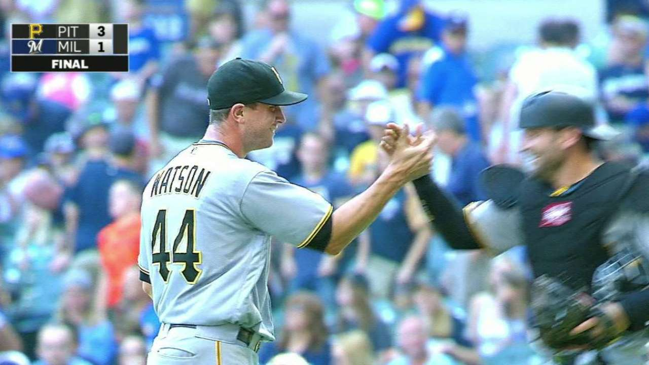 Watson fans Broxton for the save