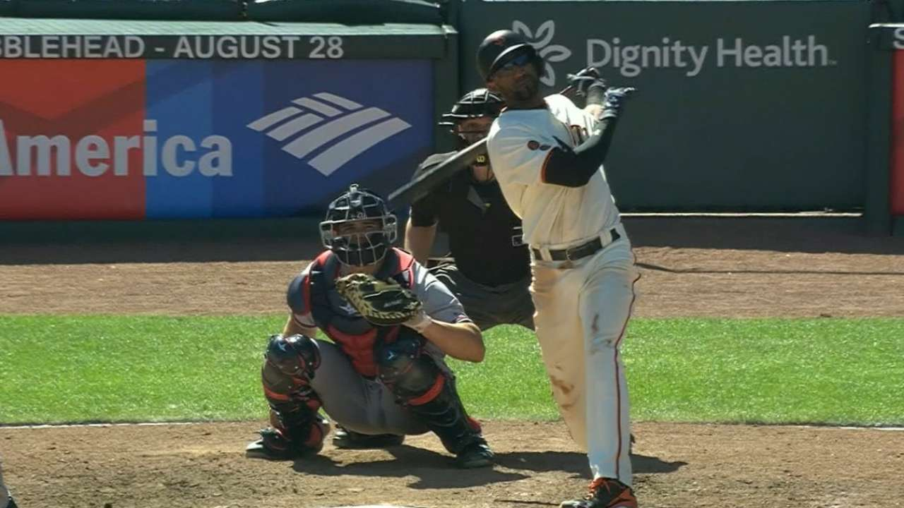 Giants use the 4s to thump Braves