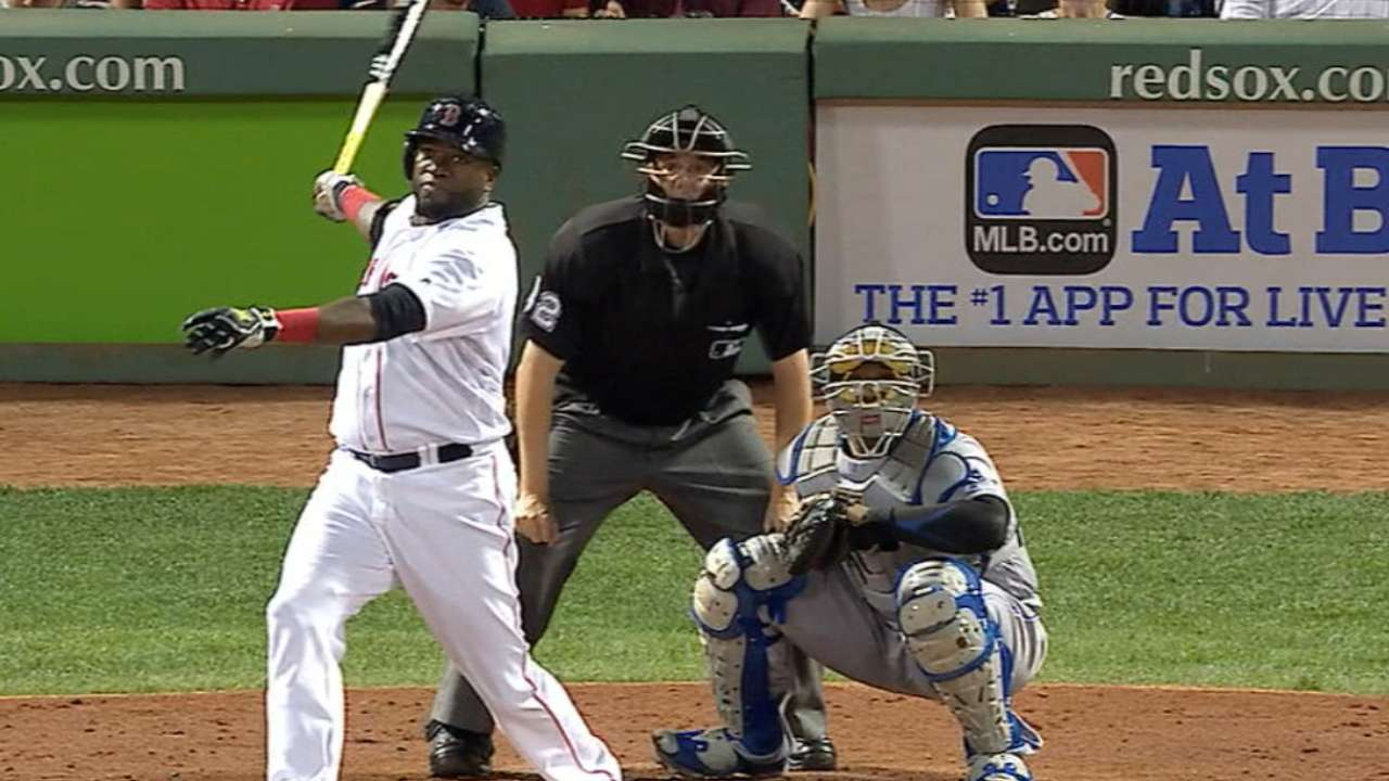 Papi ties Foxx with solo homer
