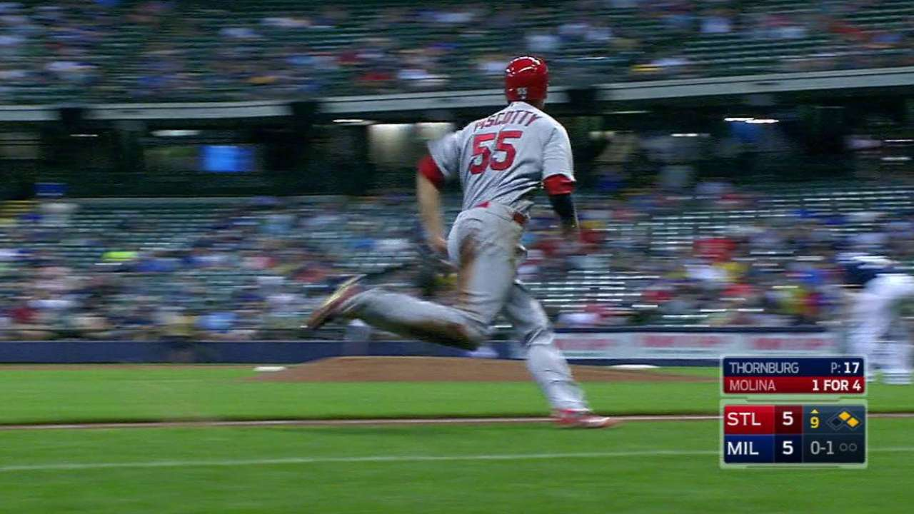 Molina's bunt leads to comeback Cards win