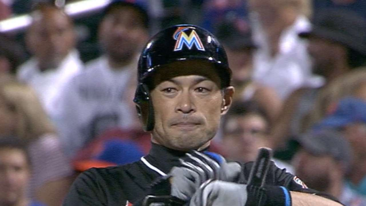 Ichiro passes Boggs on all-time hits list