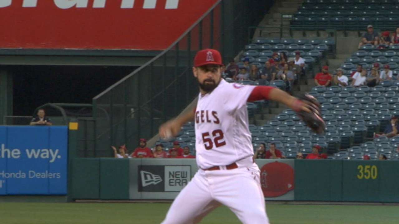 Shoemaker's nice outing