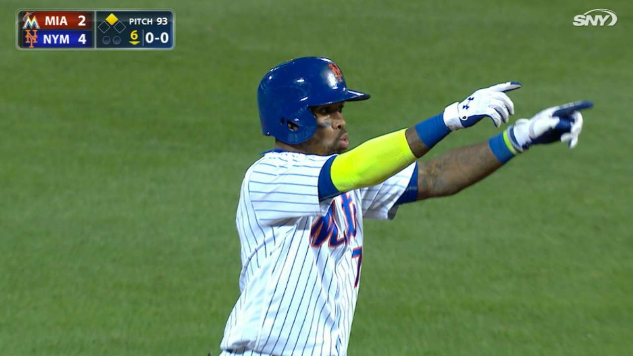 Reyes' four-hit game