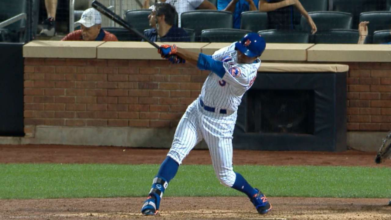 Grandy's 2 HRs propel him closer to odd record
